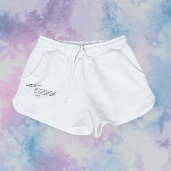 shorts customizavel tie dye de moletom branca t7584 look