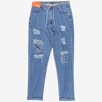 Cala Jeans Mom com Rasgos T7009