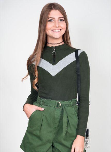 blusa malha canelada manga longa verde militar t6562 look