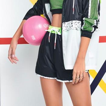 shorts esportivo feminino juvenil verde neon v0026 detalhe