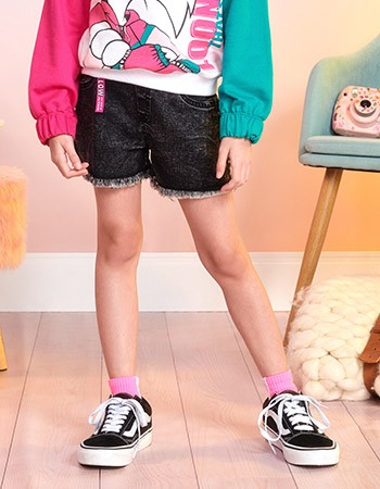Shorts Jeans Infantil Feminino Preto Barra Desfiada Momi F9807